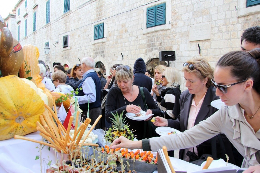 Dubrovnik's dining table
