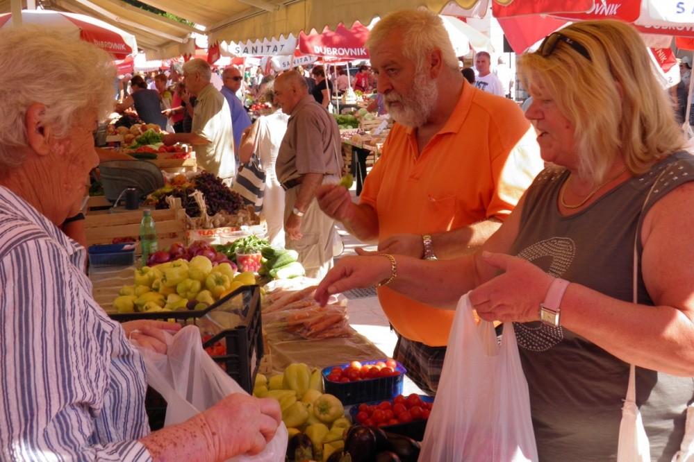 Photo of Renovated Gruz Market Opens