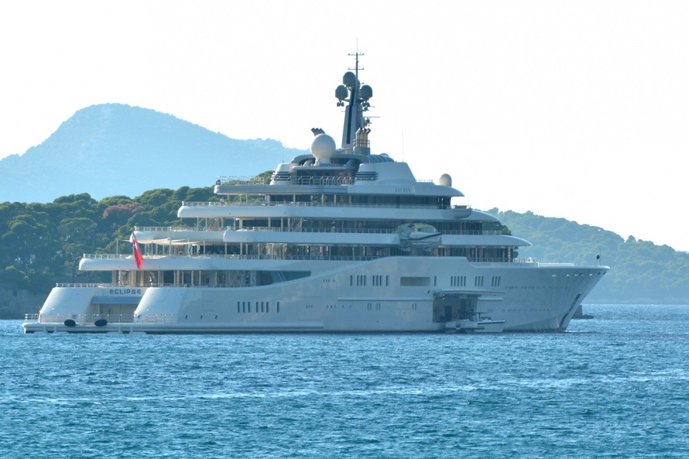 Photo of Abramovich's Mega Yacht 'Eclipse' In Dubrovnik