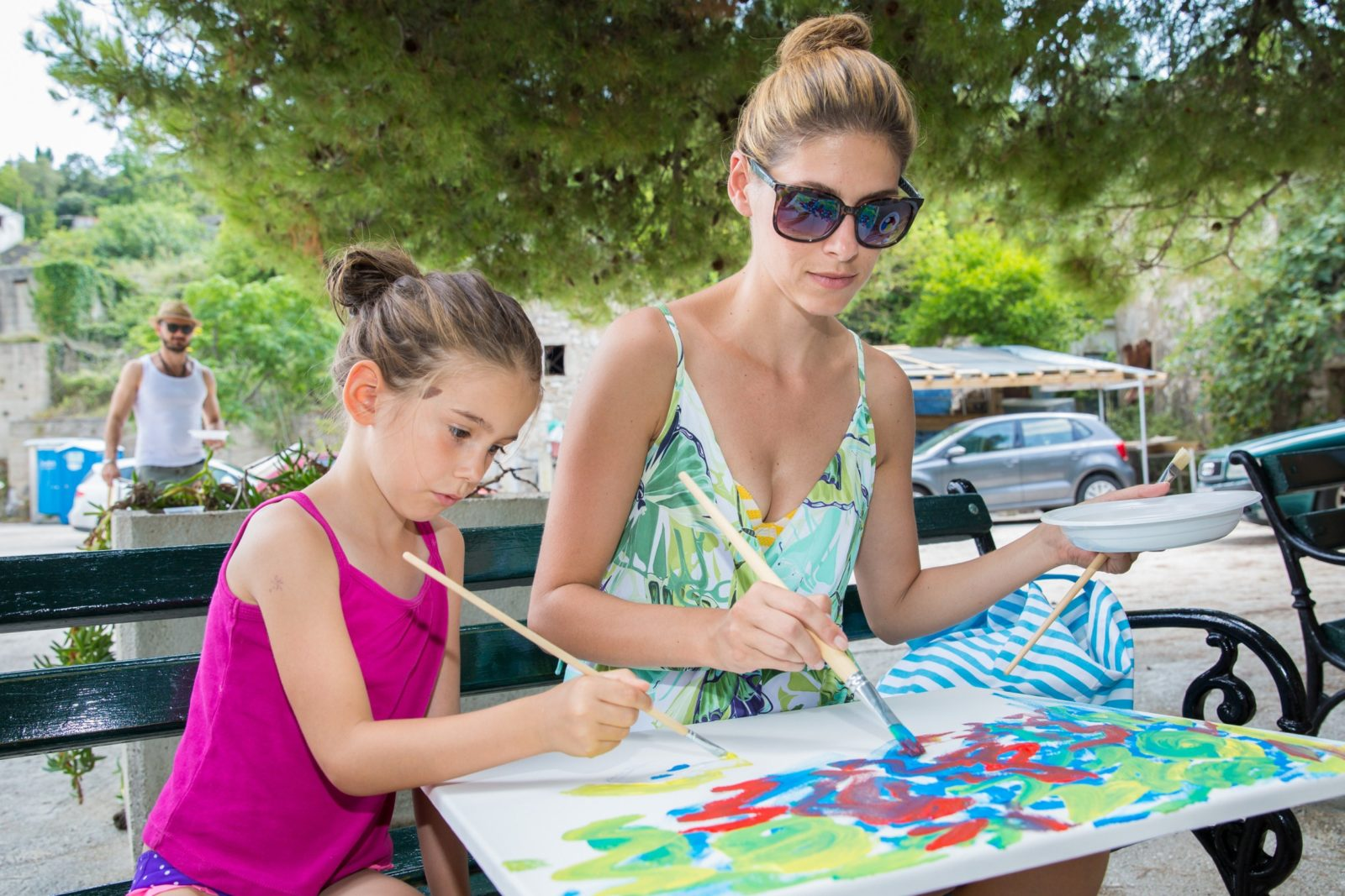 Photo of Croatian actors painted for the sick children
