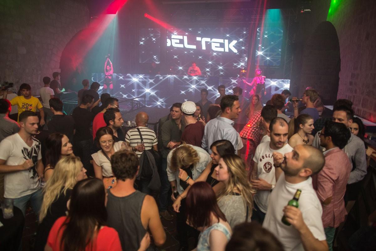 Photo of Revelin danced to the rhythm of Beltek
