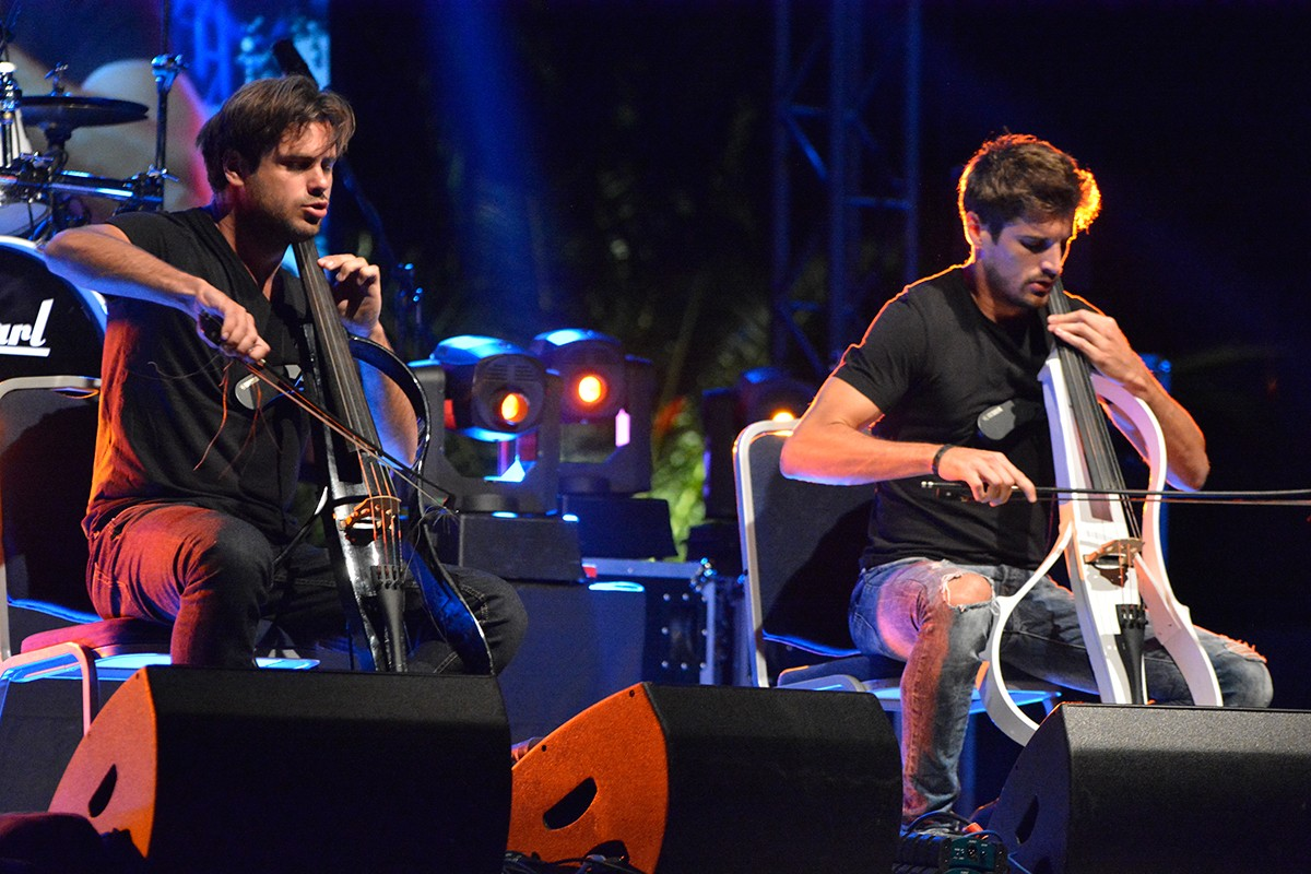 Photo of The award for the best concert goes to 2 Cellos!