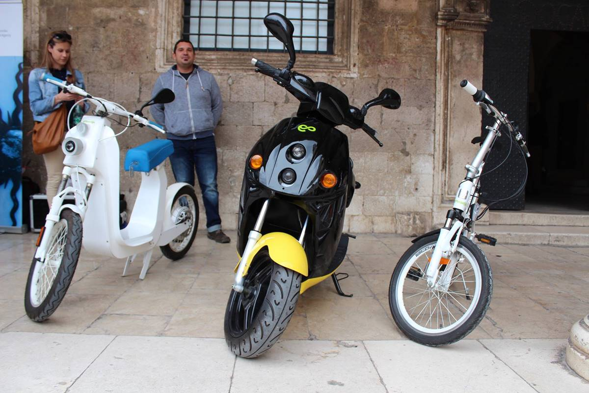 Photo of Hundred Electric Scooters Will Roam the Streets of Dubrovnik in 2017