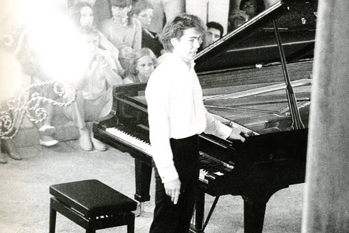 Photo of Dash of History: Maestro Pogorelich playing in Rector's Palace in 1985