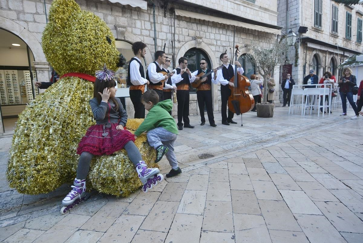 Photo of A Perfect Time to Enjoy Winter, Traditional Music and Colorful Stradun