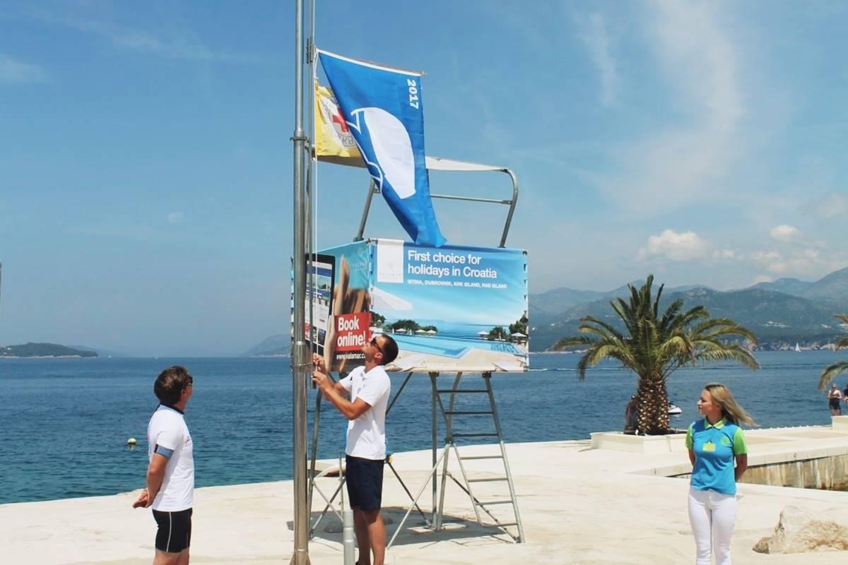 Photo of The Blue Flag For Valamar Dubrovnik President
