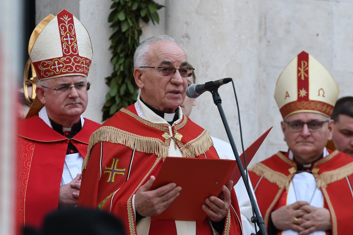 Photo of Mons Toma Lučić Retires, Don Hrvoje Katušić to Take His Place as Rector of the Church of St. Blaise